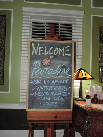 Old Town Manor: Welcome to Paradise