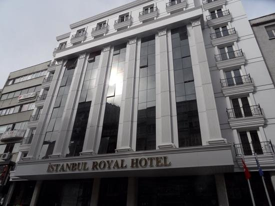 Istanbul Royal Hotel: front of hotel march 2014