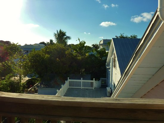 Key West Bed and Breakfast: View from 3rd floor back bedroom balcony