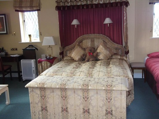 Orchard House Guest House: King Size Bed