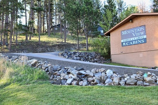 Mountain View Lodge & Cabins: enjoy cabins or lodge rooms