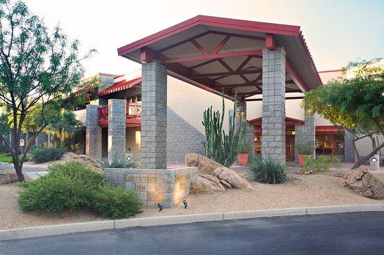 Thunderbird Executive Inn & Conference Center: Executive Inn Exterior Entrance