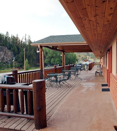 Mountain View Lodge & Cabins : Kick back and grill!