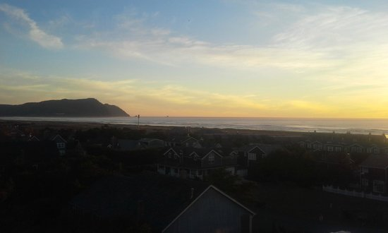 Beautiful sunset from deck at Gearhart by the Sea