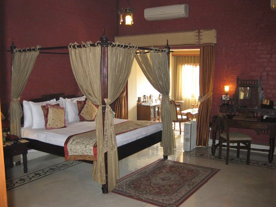 The Grand Imperial, Agra: bedroom