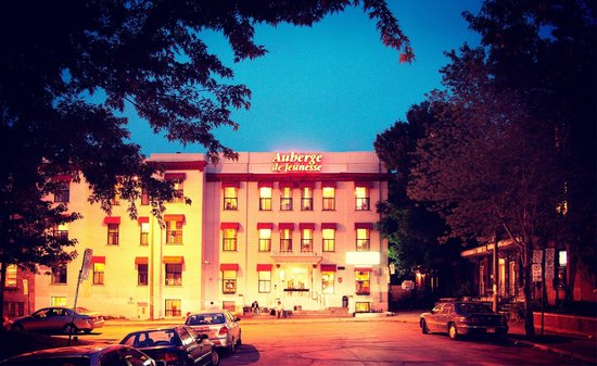 HI Montreal Hostel