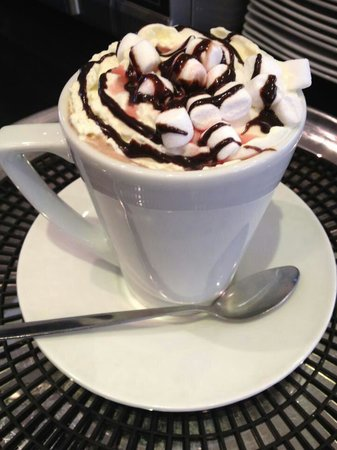 Coco Cafe: Yummy and famous Hot Chocolate made on real chocolate ;-)