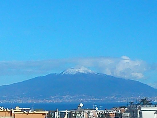 B&B Les Chic : Vesuvius, dominant and serene