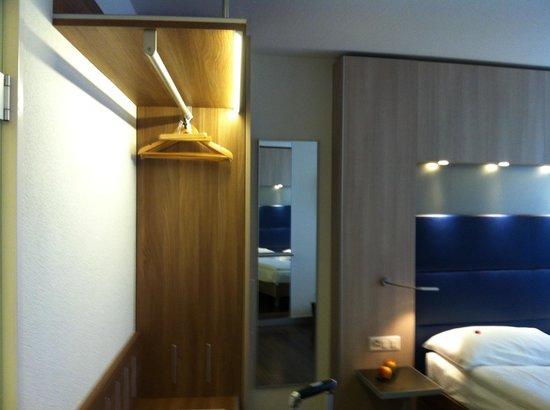 Hotel Alexander: Room 201