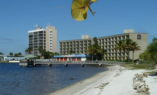 Best Western Fort Myers Waterfront: Waterfront