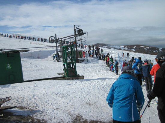 CairnGorm Mountain: The 45 minute queue for ONE lift - yes from BOTH sides!!!!!