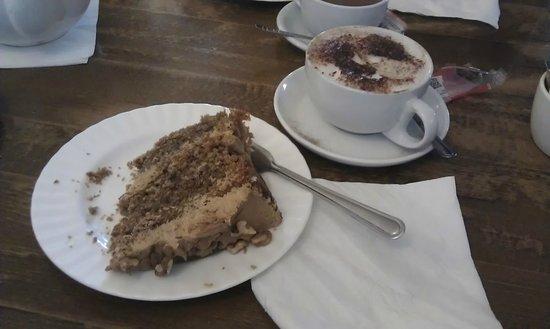 Castle Tea Rooms: Scrumptious cakes