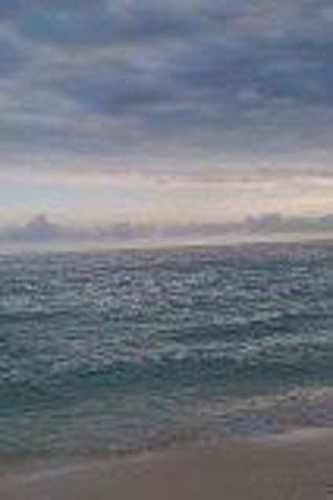 Grand Lucayan, Bahamas: cloudy day