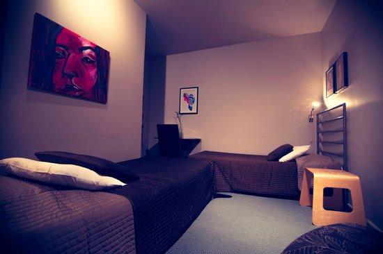HI Montreal Hostel: Private Room with Ensuite Bathroom