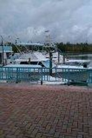 Grand Lucayan, Bahamas : down at the shopping mall