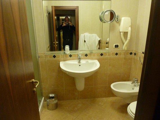 Venezia 2000 Hotel & Residence: Salle de bain