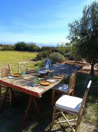 Dar Tasmayoun : Déjeuner dans le jardin