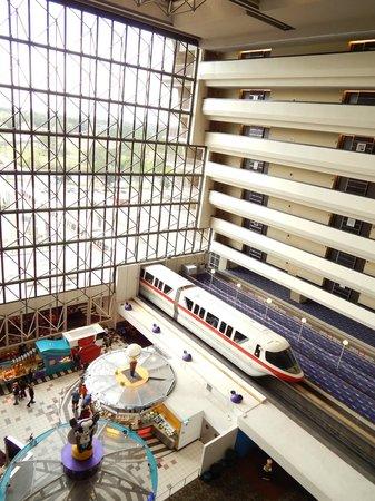 Disney's Contemporary Resort: Monorail in atrium