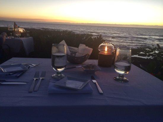 Hilton Waikoloa Village: Dinner at sunset- KPC