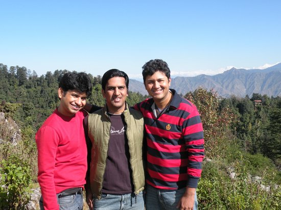 Lal Tibba: Friends after 2 hours of trek !