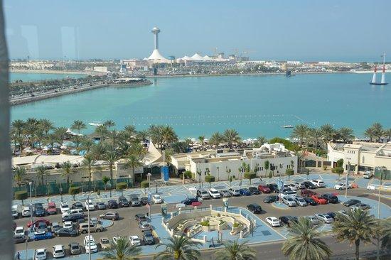 Hilton Abu Dhabi: View from Executive Lounge