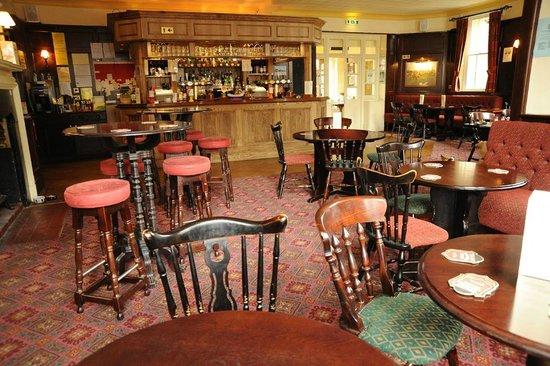 Village House Hotel: Bar Area