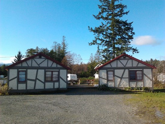 Qualicum Bay Resort: Cottage 5 and 6