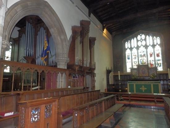 St Laurence Church: Organ, Choir stalls & Altar