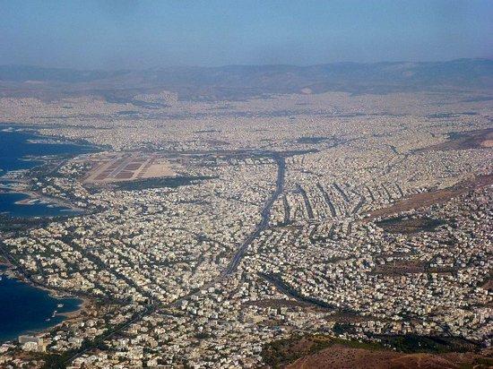 Athens Poseidon Hotel: Athene vanuit de lucht