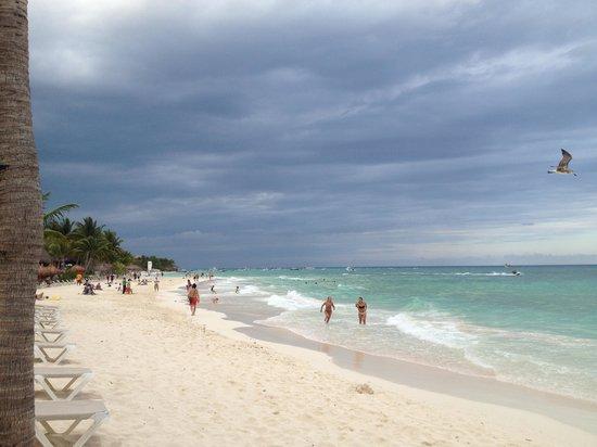 Mahekal Beach Resort: Great beach!