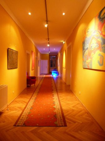 Hotel Altstadt Vienna: Corridor to suites