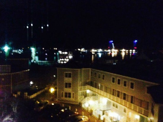 Sheraton Portsmouth Harborside Hotel: Perfect view...