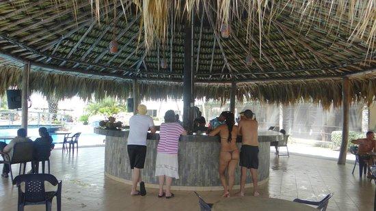 Isla Caribe Beach Hotel : bar