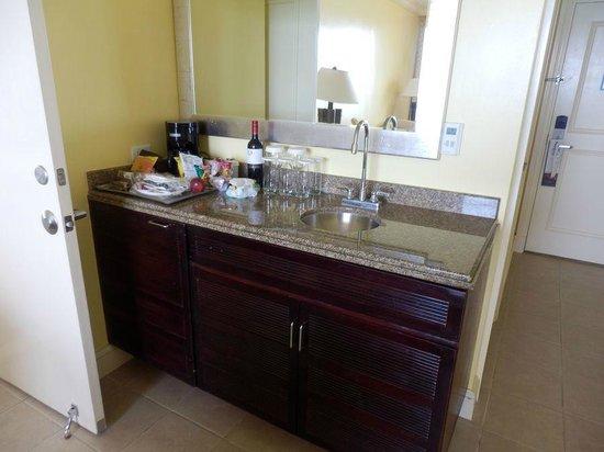 Hilton Barbados Resort: minibar