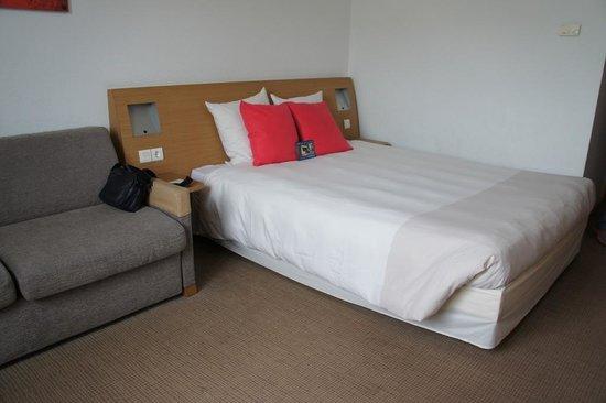Hotel Novotel Sevilla: 房間