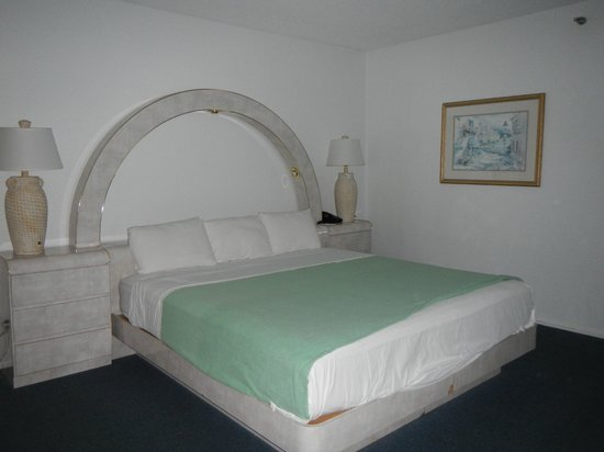 Hollywood Beach Tower: Bed