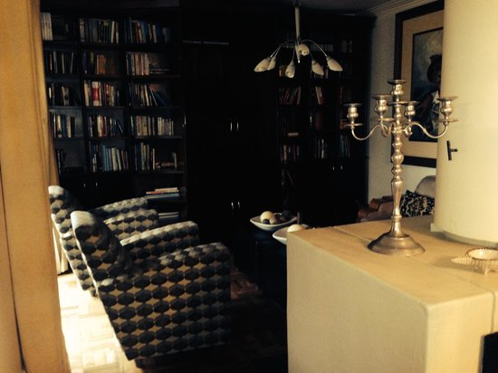 House Higgo Boutique Guesthouse : Reading room