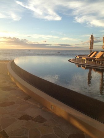 Grand Solmar Land's End Resort & Spa: poolside