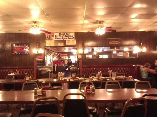 Chris Pitt S Restaurant In Whittier California