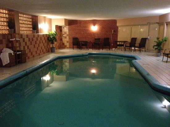 Piscine int rieure foto di best western laval montreal for Club piscine plus cppq laval