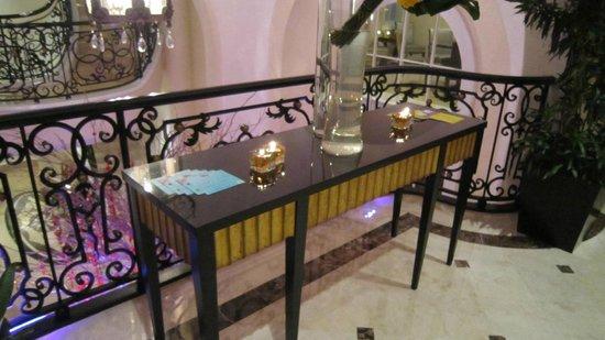 Hotel Gran Mahakam Jakarta: エントランス