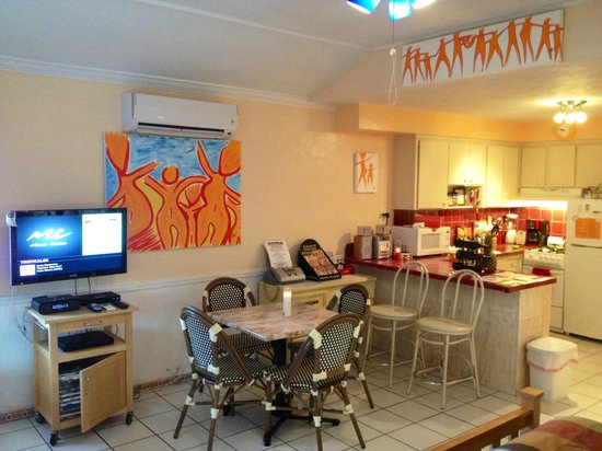 Villa Sinclair Beach Suites & Spa: Our room