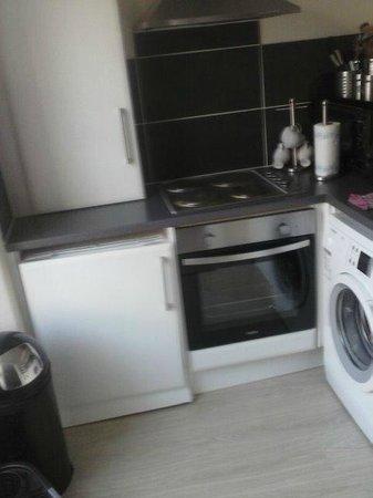 Stay Edinburgh City Apartments - Royal Mile : First apartment (kitchen)