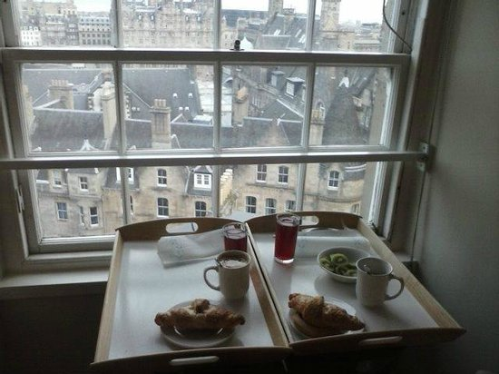 Stay Edinburgh City Apartments - Royal Mile: Breakfast with views