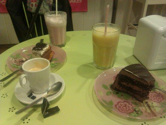 My Sweet Paradise Cupcakes: Muerte por chocolate y brownie cheescake and smoothies