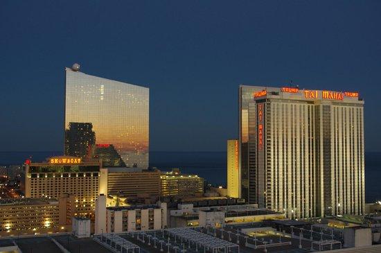 Wyndham Skyline Tower: View at sunset towards the Showboat and Trump Taj Mahal Casinos