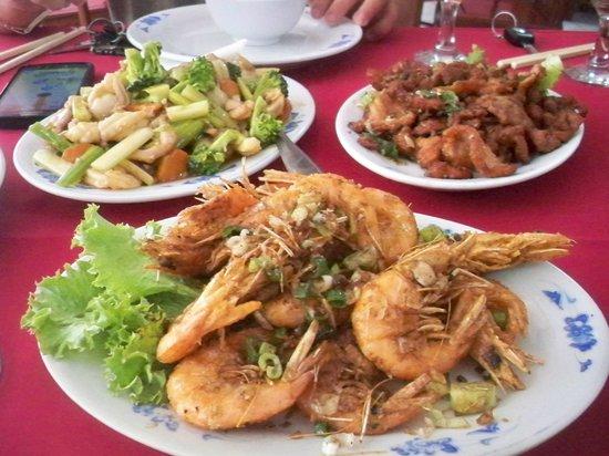 Ocean Restaurant : Crevettes au sel ,porc au sel et chao chap