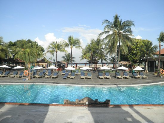 Ramada Bintang Bali Resort : Piscina