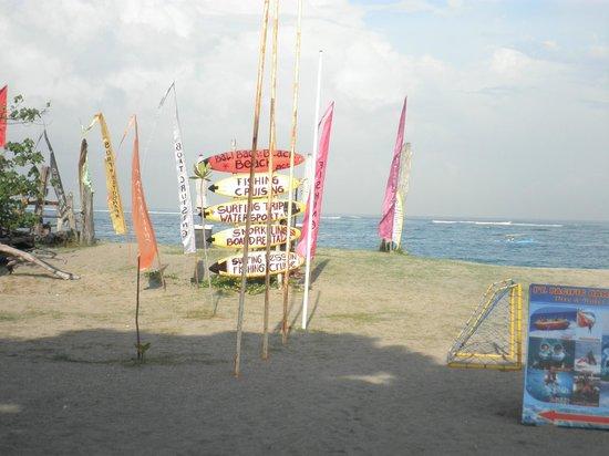 Ramada Bintang Bali Resort : Praia em frente ao hotel