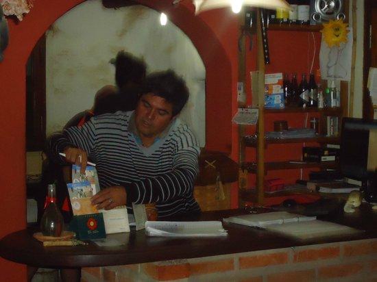 Posada El Sol : El amigo Ruben atento para sus pasajeros.